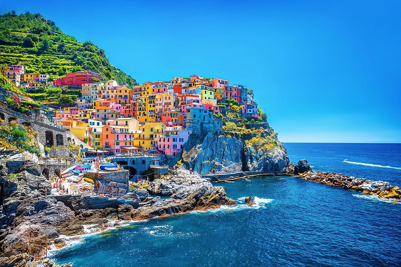 Partez à la découverte des 10 plus belles destinations colorées !